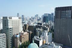 新御茶ノ水駅直結のビル17階にオフィスが入っています。オフィスからの眺めは最高です!